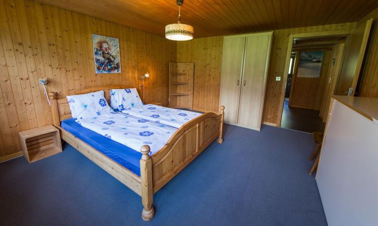 Schlafzimmer (6)